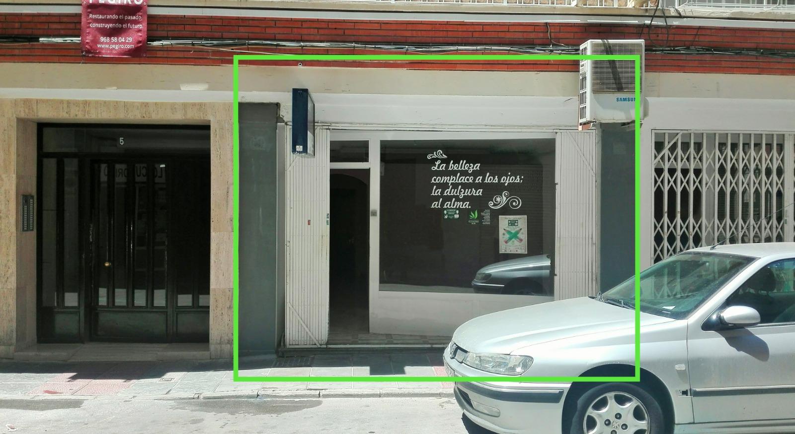 Local comercial junto al Morales Meseguer